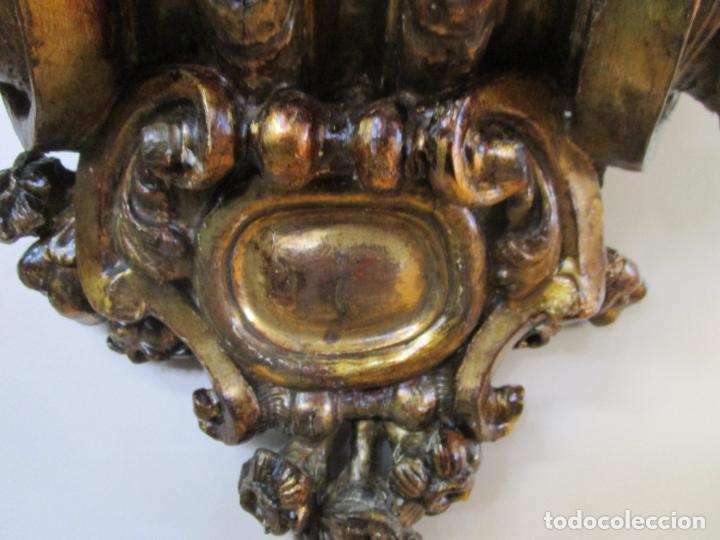 Arte: Preciosa Ménsula Barroca - Peana - Retablo en Talla de Madera Dorada en Pan de Oro - S. XVIII - Foto 5 - 219211728