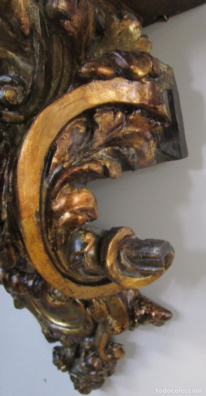 Arte: Preciosa Ménsula Barroca - Peana - Retablo en Talla de Madera Dorada en Pan de Oro - S. XVIII - Foto 10 - 219211728