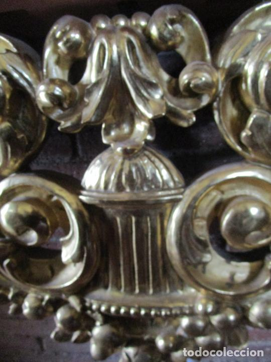Arte: Bonita Consola, Ménsula Barroca - Peana - Retablo en Talla de Madera Dorada en Pan de Oro - S. XVIII - Foto 6 - 227996565
