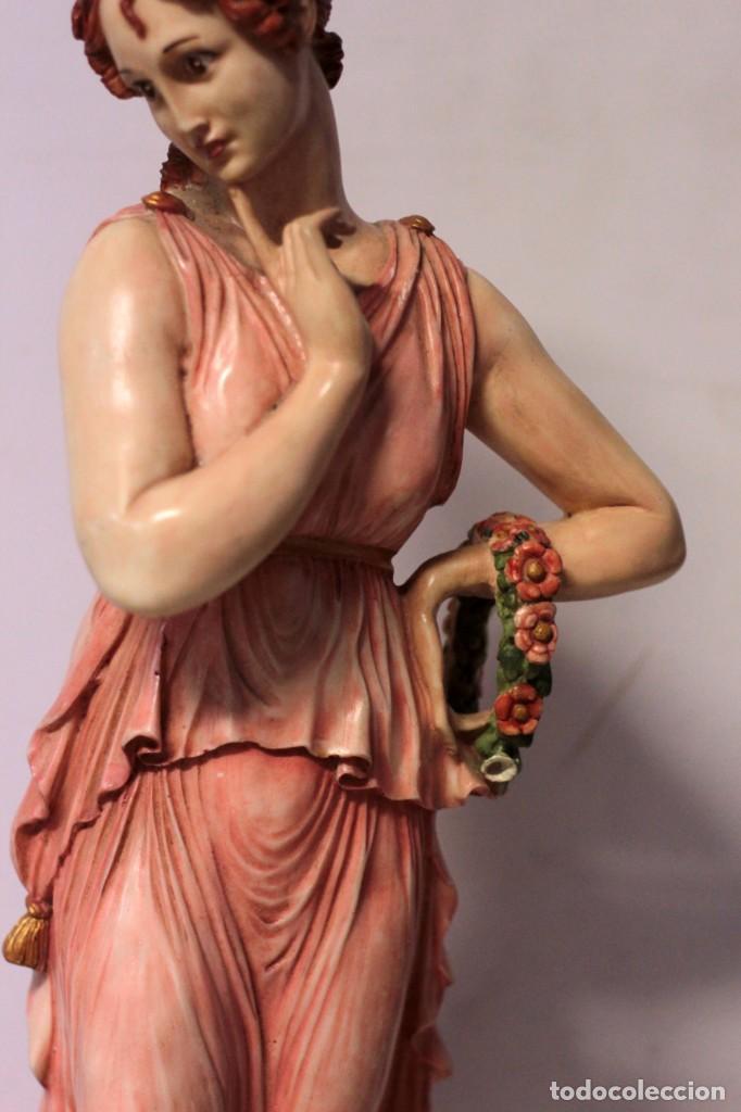 Arte: Antigua figura decorativa de gran tamaño. Mujer con flores. 66cm. Gran belleza - Foto 3 - 219398531