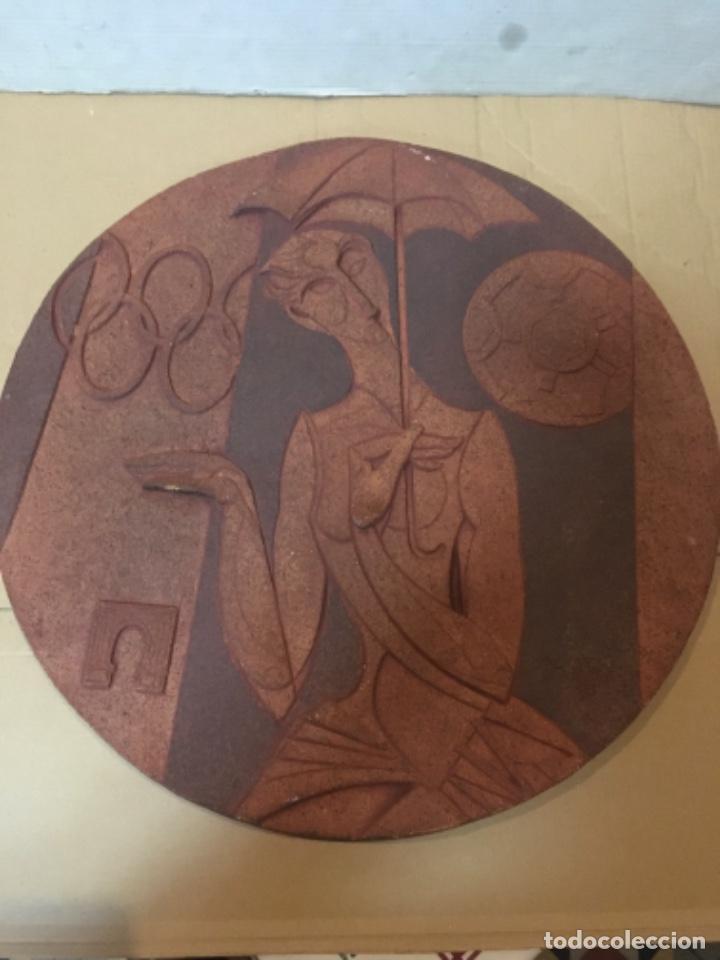 (M/R/C/C) JORDI ALUMÀ I MASVIDAL - OLIMPISMO - ESCULTURA EN BARRO GRES - 43 CM BUEN ESTADO FIRMADA (Arte - Escultura - Terracota )