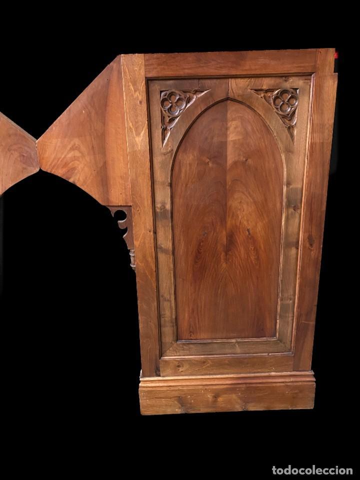 Arte: Antigua pareja de puertas, tablas neogóticas de madera de nogal rubio. Restauradas. Siglo XIX. - Foto 2 - 121239023