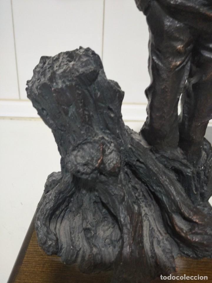 Arte: Escultura de Josep Bofiil el invierno, resina con patina de bronce - Foto 3 - 220783192