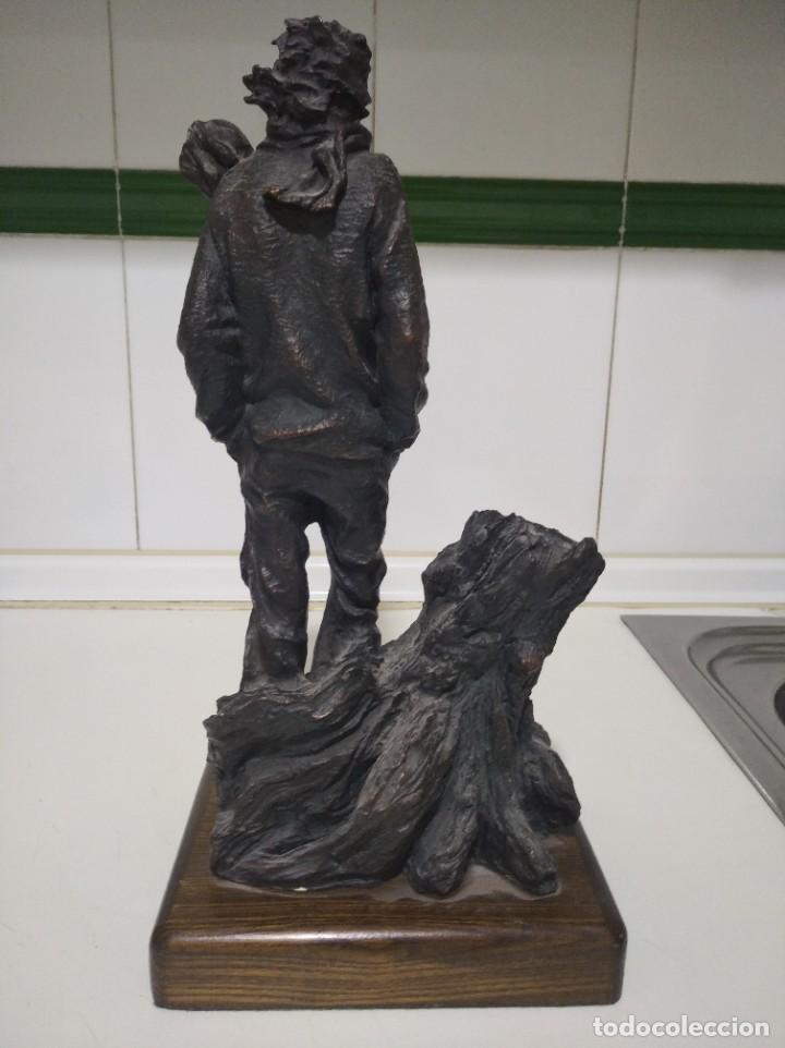 Arte: Escultura de Josep Bofiil el invierno, resina con patina de bronce - Foto 5 - 220783192