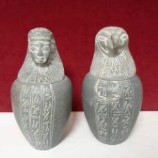 Arte: DOS VASOS DE ALABASTRO EGIPCIOS TALLADOS A MANO. Lote 221576706