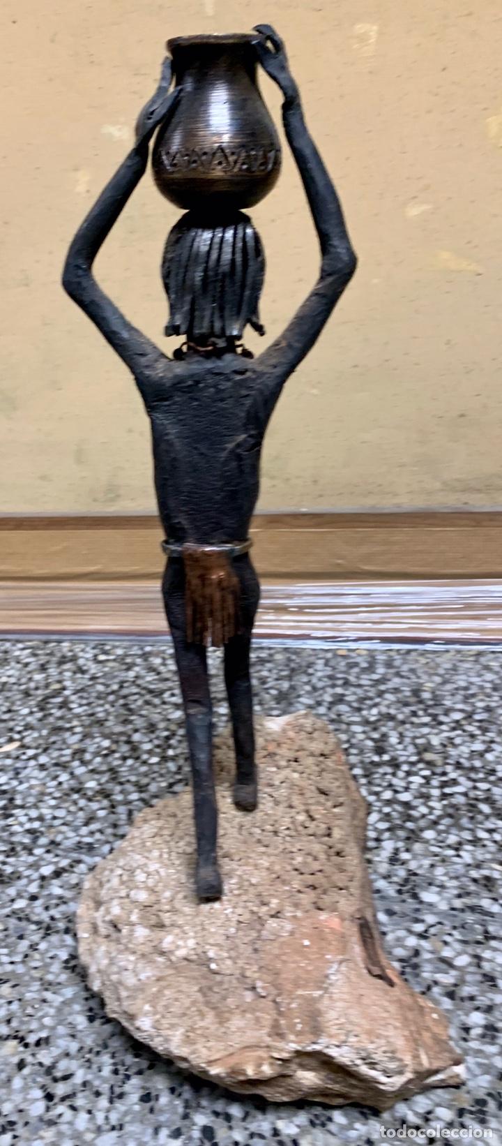 Arte: Josep Muray i Busqué, la Pobla de Claramunt, figura de hierro forjado, 44 cm de altura total - Foto 4 - 221623252