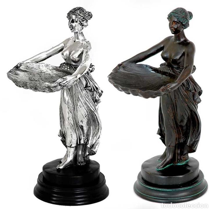 Arte: Bellísima Bandeja con figura de dama de resinay base de resina en color plata, pieza en estilo clá - Foto 2 - 221945085