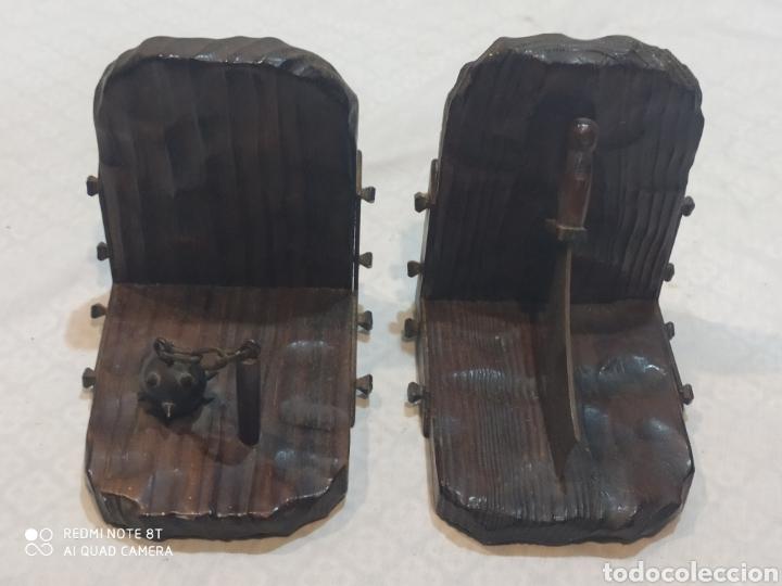 Arte: Increíble sujeta libros de madera y hierro forjado principios de siglo XX - Foto 4 - 221946772