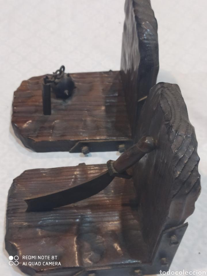 Arte: Increíble sujeta libros de madera y hierro forjado principios de siglo XX - Foto 10 - 221946772