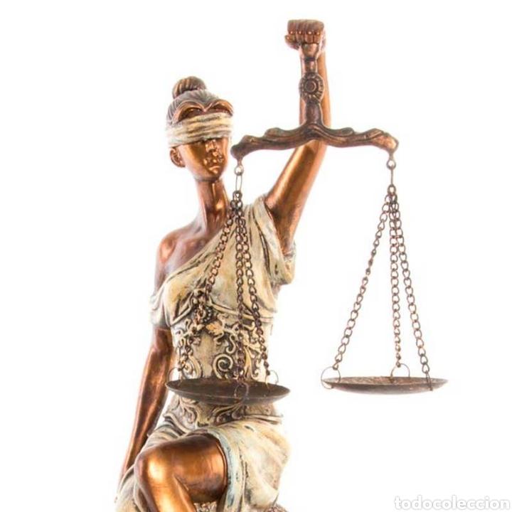 Arte: Preciosa Figura de la diosa romana de la justicia. Su origen de la antigua Grecia. Resina - Foto 3 - 221950311