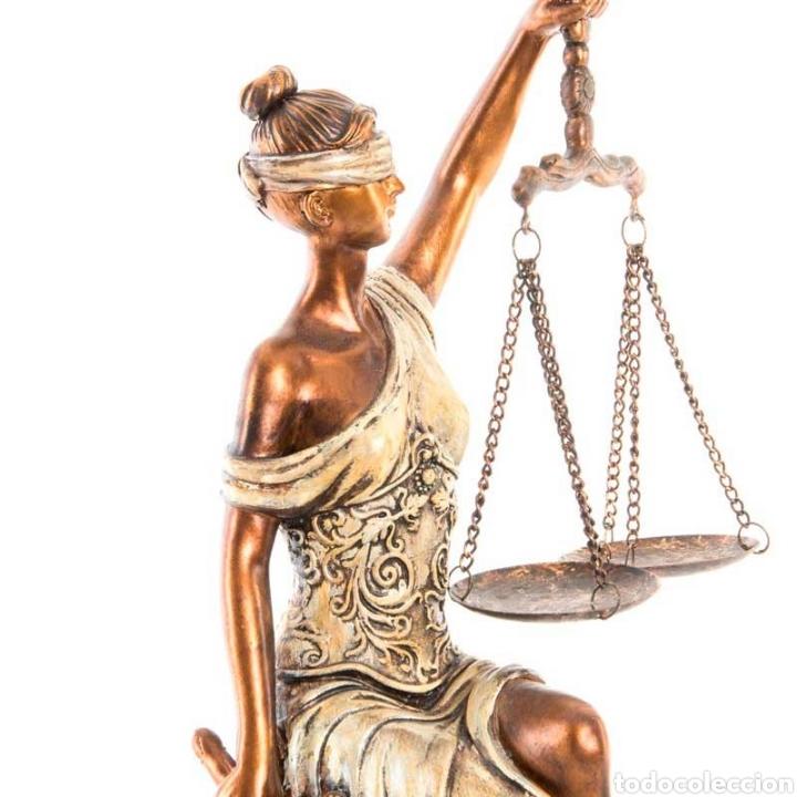 Arte: Preciosa Figura de la diosa romana de la justicia. Su origen de la antigua Grecia. Resina - Foto 5 - 221950311