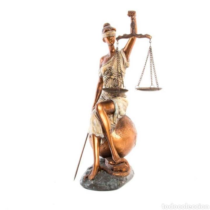 PRECIOSA FIGURA DE LA DIOSA ROMANA DE LA JUSTICIA. SU ORIGEN DE LA ANTIGUA GRECIA. RESINA (Arte - Escultura - Resina)