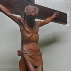 Arte: CRUCIFIJO. JESUCRISTO. CRUZ DE MESA. TALLA DE MADERA. 74 CM.. Lote 221964953