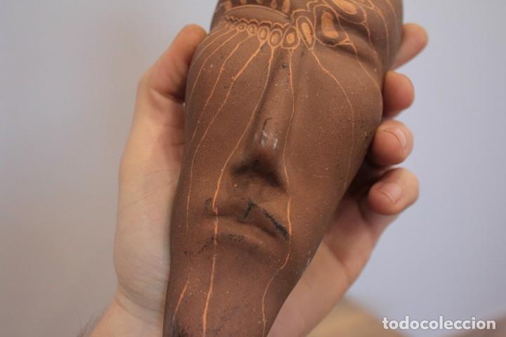 Arte: Máscara étnica de barro, firmada Sento, Asturias. 21cm - Foto 3 - 222116792