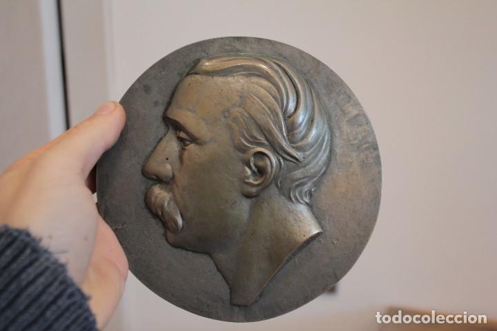 GRAN MEDALLÓN, RELIEVE DE BRONCE, ESCULTURA FIRMADA J. LOPEZ. 14,5CM (Arte - Escultura - Bronce)