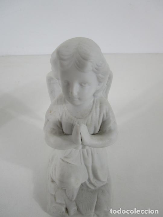 Arte: Pareja de Ángeles Custodios - Porcelana Biscuit - Altura 17 cm - S. XIX - Foto 10 - 222794292