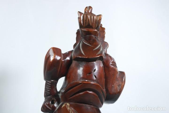 Arte: Antiguo Guerrero chino tallado a mano en madera - Primera mitad del siglo XX - Foto 10 - 223029188