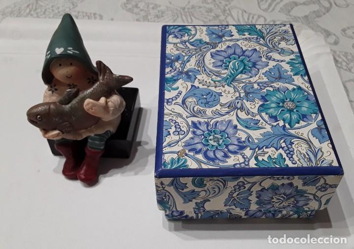Arte: Gnomo de la fortuna por Anne Kabouke + base de marmol + caja regalo - Foto 11 - 223259365