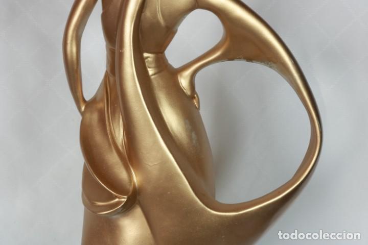 Arte: Enorme Escultura Art Decó Bailarina Carpié de porcelana bañada en oro de 22k - Firmado - Foto 18 - 223781911