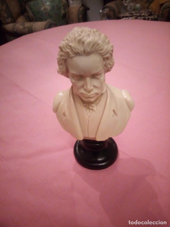 Arte: Antiguo busto de beethoven de alabastro,peana de resina - Foto 3 - 224066208
