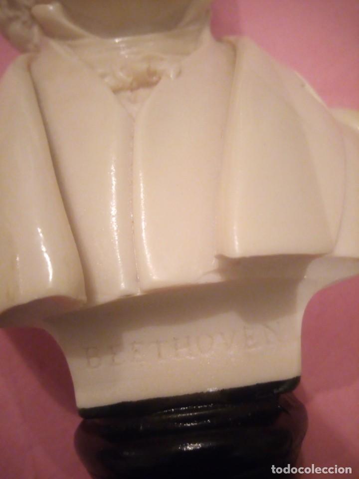 Arte: Antiguo busto de beethoven de alabastro,peana de resina - Foto 4 - 224066208