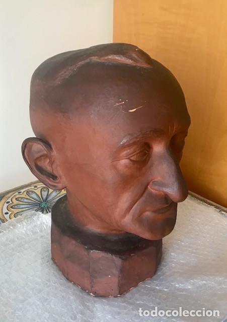 CABEZA DE VARÓN TERRACOTA ESMALTADA FIRMADA: BUXEDA 1944. RECOGER EN BARCELONA (Arte - Escultura - Terracota )