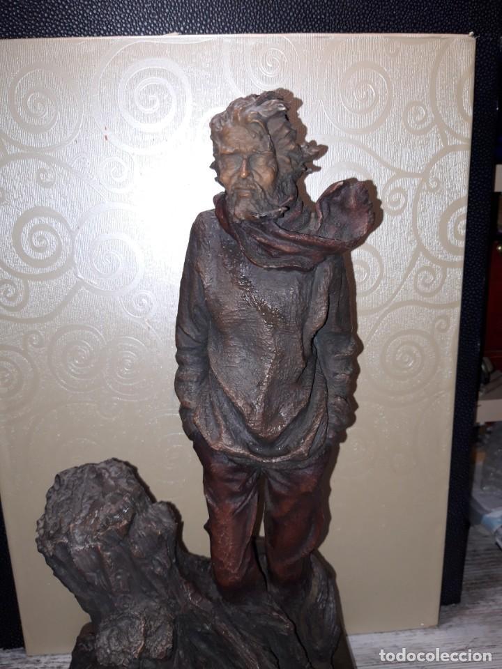 ESCULTURA FIRMADA Y NUMERADA, JOSEP BOFILL. (Arte - Escultura - Resina)