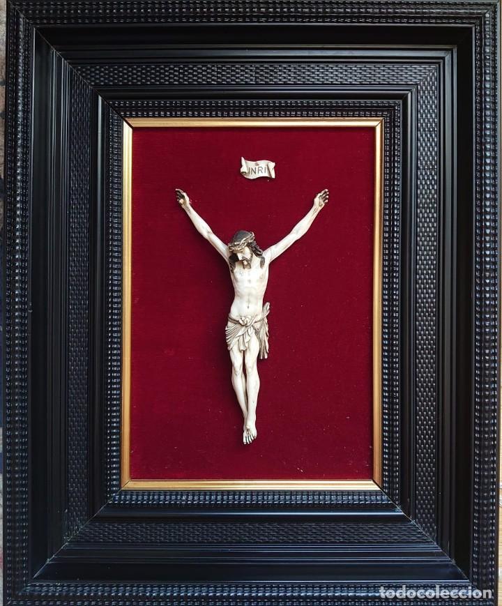 TALLA MARFIL CRISTO CRUCIFICADO JENARO PINTO (Arte - Escultura - Marfil)