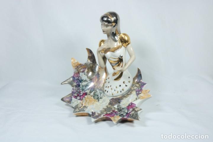 Arte: Preciosa escultura de porcelana de una mujer sobre olas - Davor - Foto 11 - 228007550