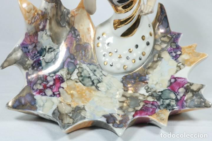 Arte: Preciosa escultura de porcelana de una mujer sobre olas - Davor - Foto 15 - 228007550