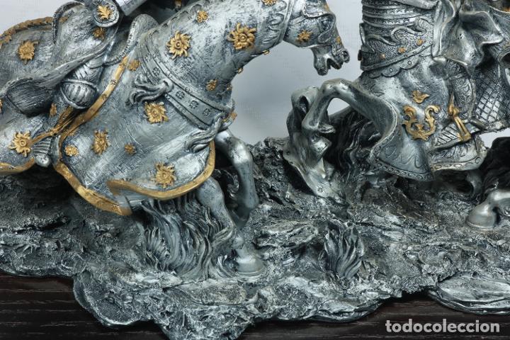 Arte: Impresionante escultura de dos guerreros medievales montado a caballo y luchando - Foto 4 - 228034450