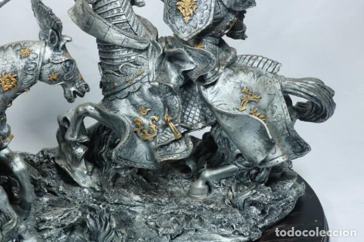 Arte: Impresionante escultura de dos guerreros medievales montado a caballo y luchando - Foto 5 - 228034450