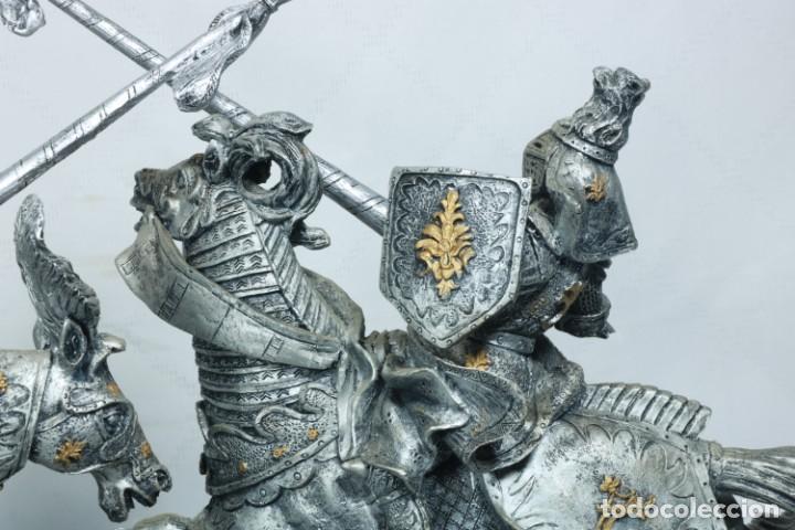 Arte: Impresionante escultura de dos guerreros medievales montado a caballo y luchando - Foto 6 - 228034450