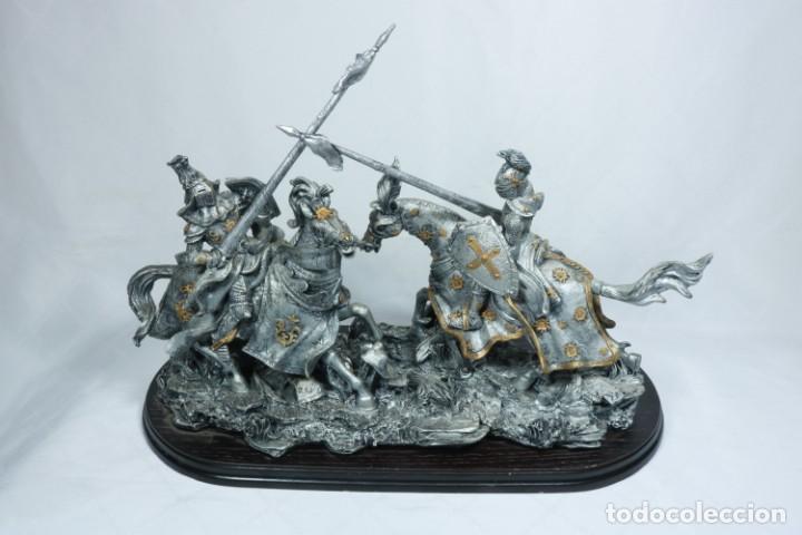 Arte: Impresionante escultura de dos guerreros medievales montado a caballo y luchando - Foto 7 - 228034450