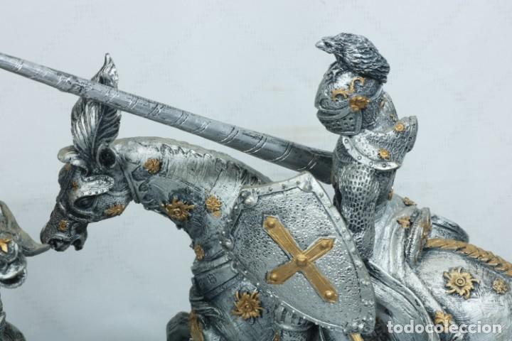Arte: Impresionante escultura de dos guerreros medievales montado a caballo y luchando - Foto 13 - 228034450
