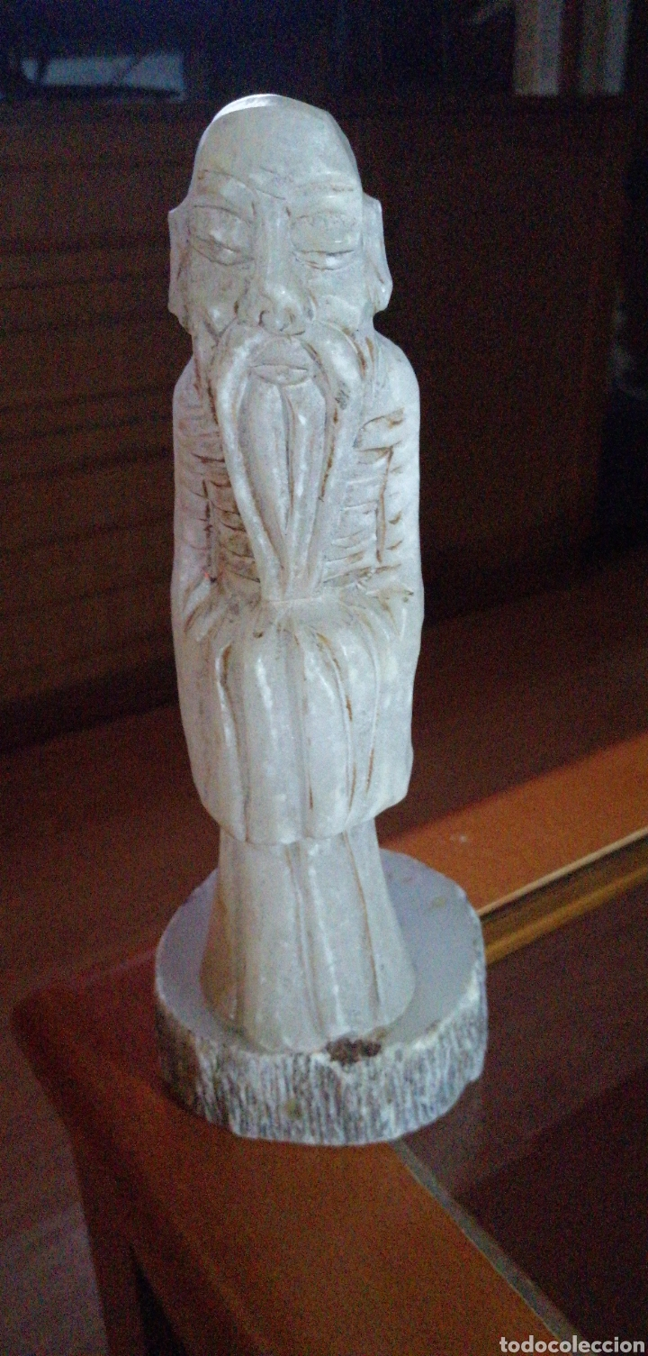 MARAVILLOSA FIGURA TALLADA DE MONJE CHINO HECHO EN ALABASTRO (Arte - Escultura - Alabastro)