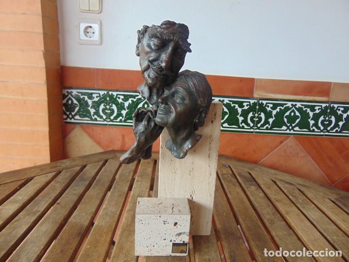 ESCULTURA EN RESINA RECUBIERTA DE BRONCE Y MÁRMOL DE JOSE LUIS CASASOLA NUMERADA Y LIMITADA EBANO (Arte - Escultura - Resina)