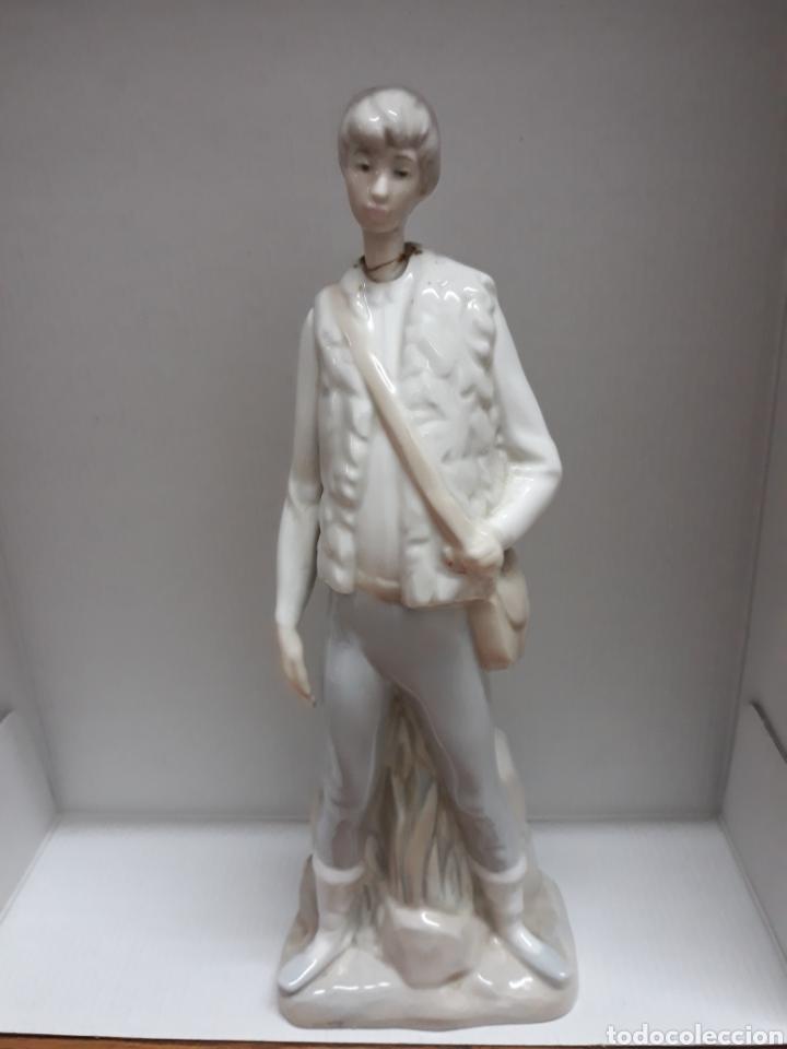 FIGURA DE PORCELANA (Arte - Escultura - Porcelana)