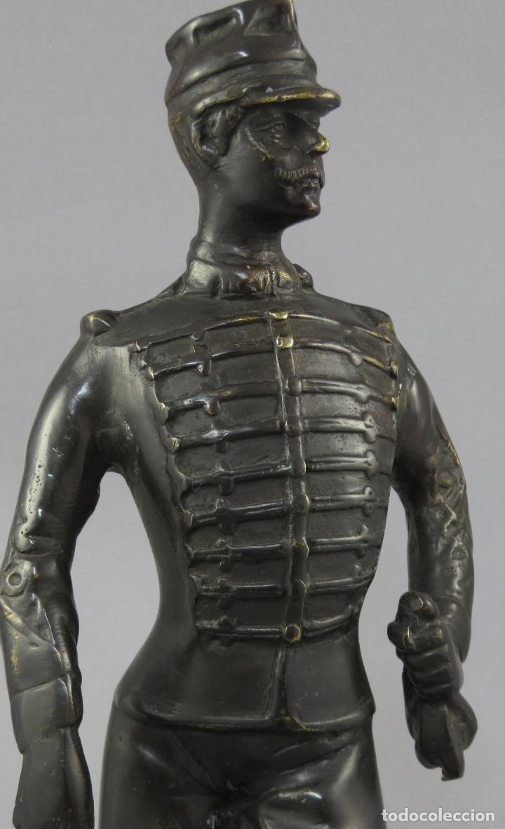 Arte: Escultura soldado húsar de la Princesa en bronce pulido siglo XX - Foto 2 - 230361210