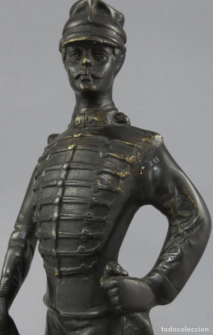 Arte: Escultura soldado húsar de la Princesa en bronce pulido siglo XX - Foto 4 - 230361210