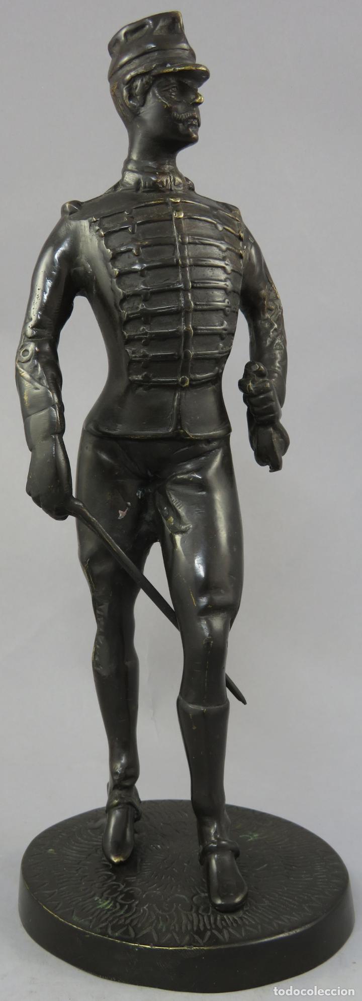 ESCULTURA SOLDADO HÚSAR DE LA PRINCESA EN BRONCE PULIDO SIGLO XX (Arte - Escultura - Bronce)