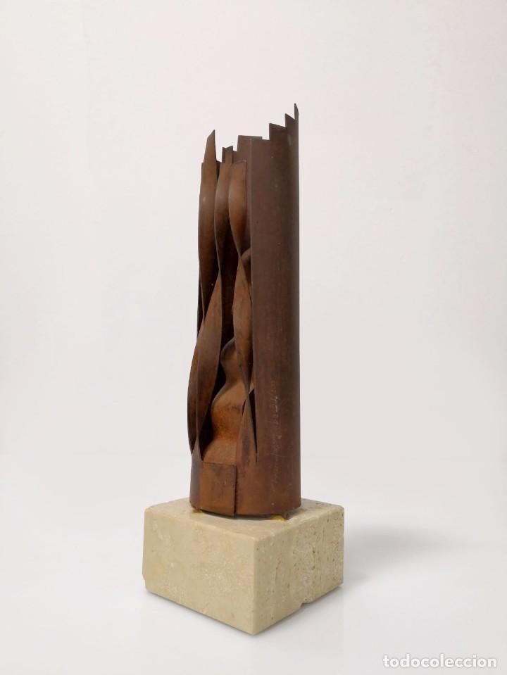 MAGNÍFICA ESCULTURA DE MÉNDEZ LOBO, FIRMADA Y NUMERADA (Arte - Escultura - Hierro)