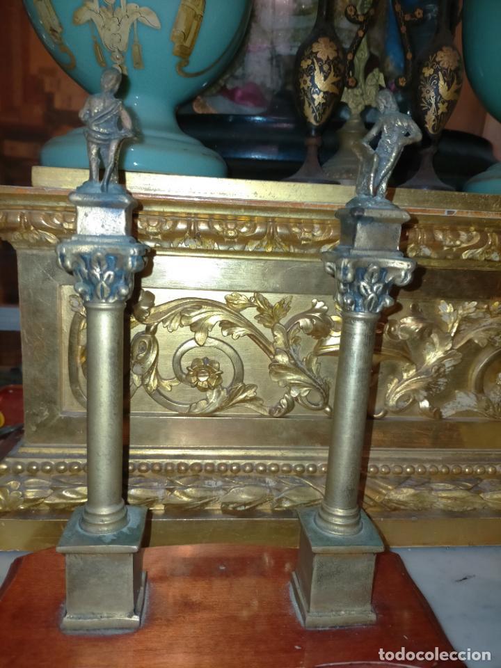 Arte: MINIATURA escultura BRONCE PAREJA COLUMNAS ROMANAS DE LA ALAMENDA DE HERCULES SEVILLA PEANA MADERA - Foto 6 - 231542670