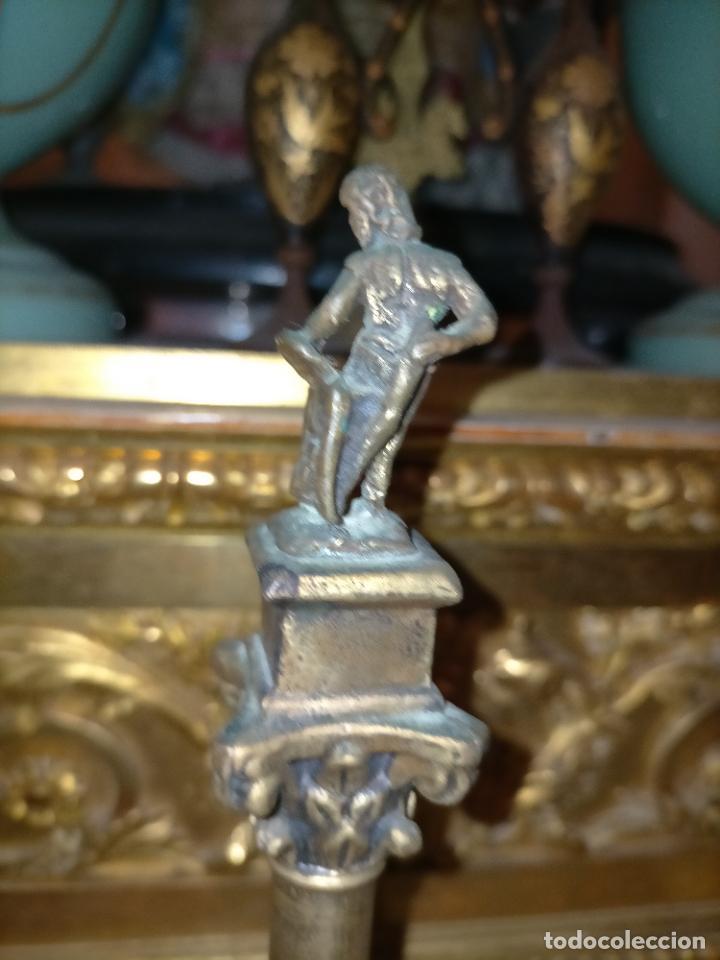 Arte: MINIATURA escultura BRONCE PAREJA COLUMNAS ROMANAS DE LA ALAMENDA DE HERCULES SEVILLA PEANA MADERA - Foto 9 - 231542670