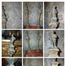 Arte: MINIATURA ESCULTURA BRONCE PAREJA COLUMNAS ROMANAS DE LA ALAMENDA DE HERCULES SEVILLA PEANA MADERA. Lote 231542670