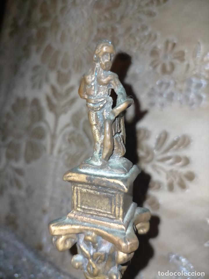 Arte: MINIATURA escultura BRONCE PAREJA COLUMNAS ROMANAS DE LA ALAMENDA DE HERCULES SEVILLA PEANA MADERA - Foto 4 - 231542670