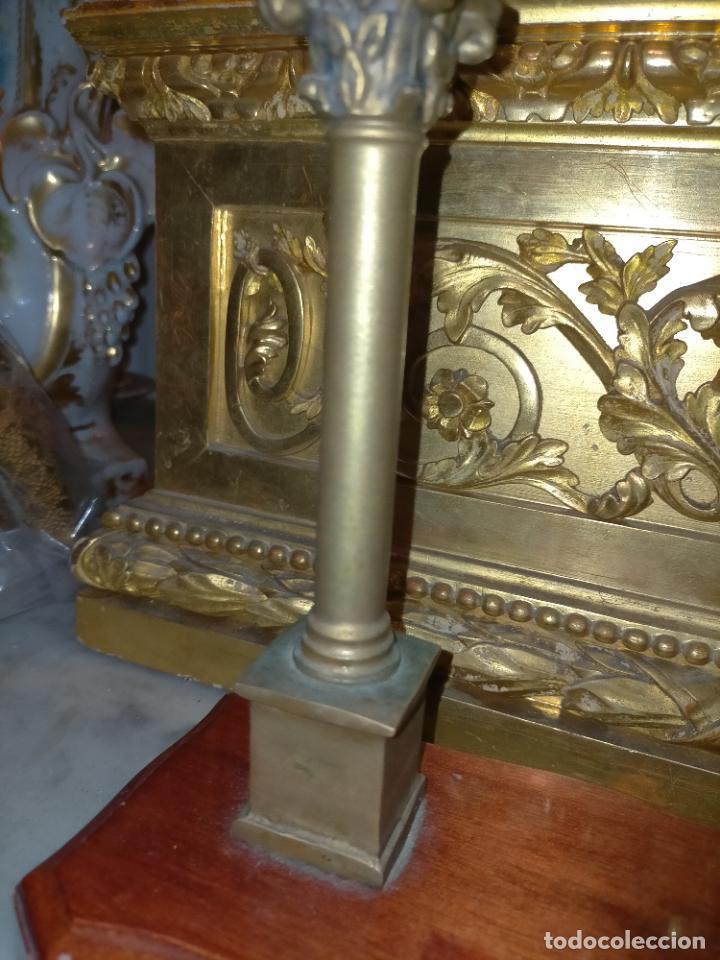Arte: MINIATURA escultura BRONCE PAREJA COLUMNAS ROMANAS DE LA ALAMENDA DE HERCULES SEVILLA PEANA MADERA - Foto 19 - 231542670
