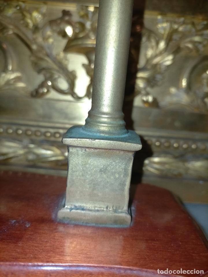 Arte: MINIATURA escultura BRONCE PAREJA COLUMNAS ROMANAS DE LA ALAMENDA DE HERCULES SEVILLA PEANA MADERA - Foto 24 - 231542670