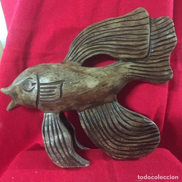 ESCULTURA PEZ MADERA - TALLA ARTESANAL - AÑOS 80 (Arte - Escultura - Madera)