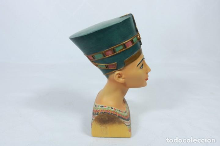 Arte: Precioso busto de Nefertiti tallado en resina - firmada Veronese - 2001 - Foto 3 - 233172505